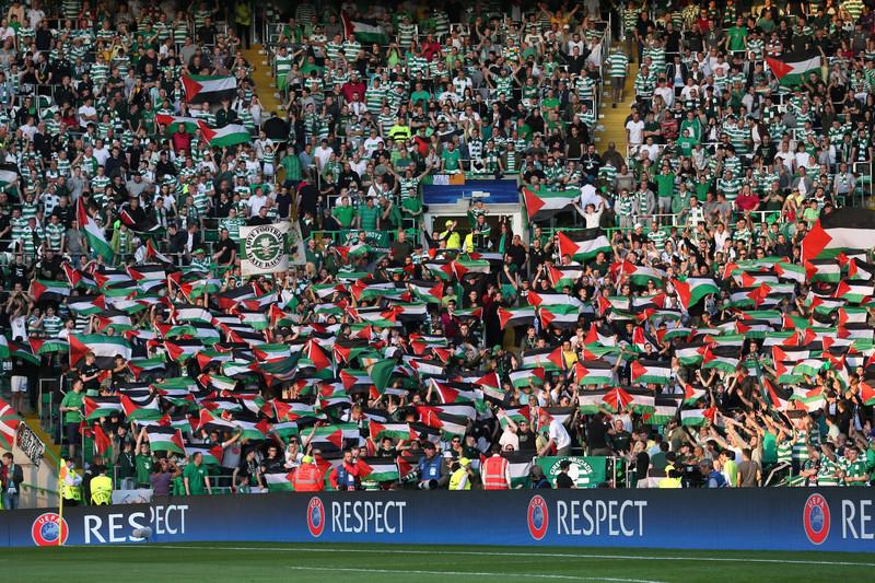 """UEFA multa il Celtic per dimostrazione pro-palestinese e i tifosi della """"Brigata Verde"""" raccolgono più di 85 mila sterline da devolvere ad associazioni palestinesi"""