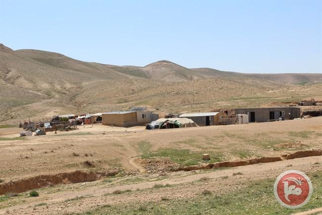 """L'autorità israeliana per la """"Natura e i Parchi"""" sradica decine in una riserva palestinese"""