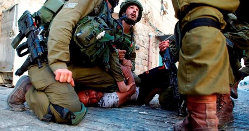 Forze israeliane aggrediscono disabile