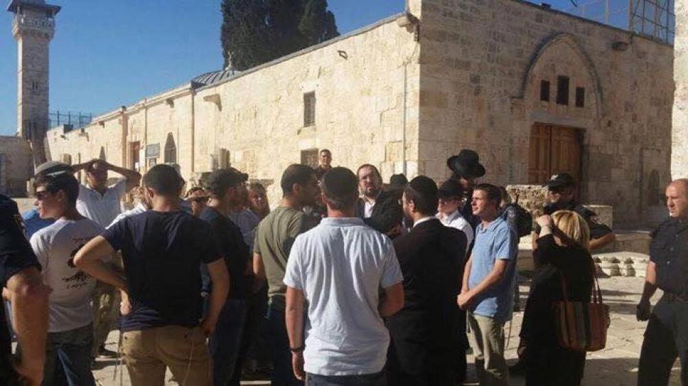 Coloni guidati dall'estremista Glick invadono la Spianata delle Moschee