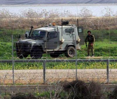 border-fence-soldiers-gaza-e1476262221688