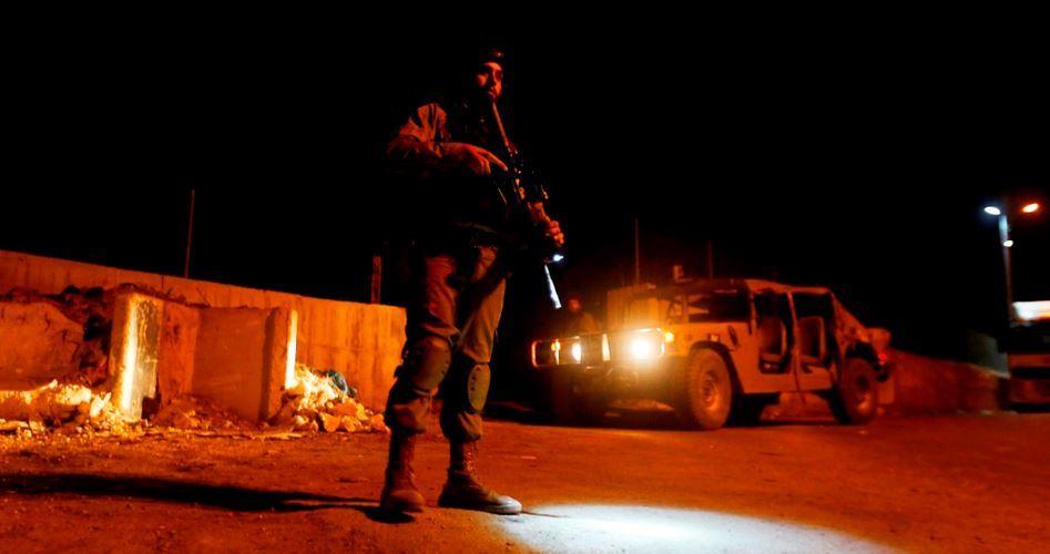 Soldati attaccano brutalmente un bambino palestinese a ovest di Jenin