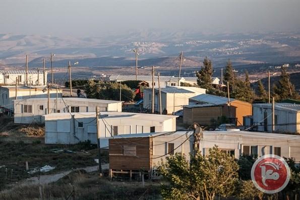 """Israele approva una legge """"discriminatoria"""" per legalizzare gli avamposti in Cisgiordania"""