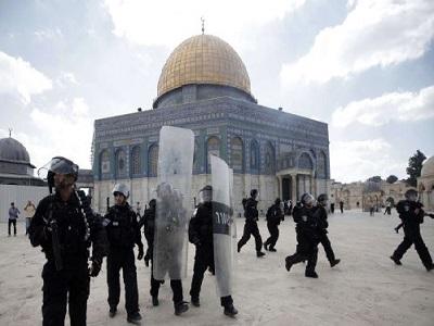 """""""Pregando per la libertà: perché Israele sta bloccando il richiamo alla preghiera a Gerusalemme?"""""""