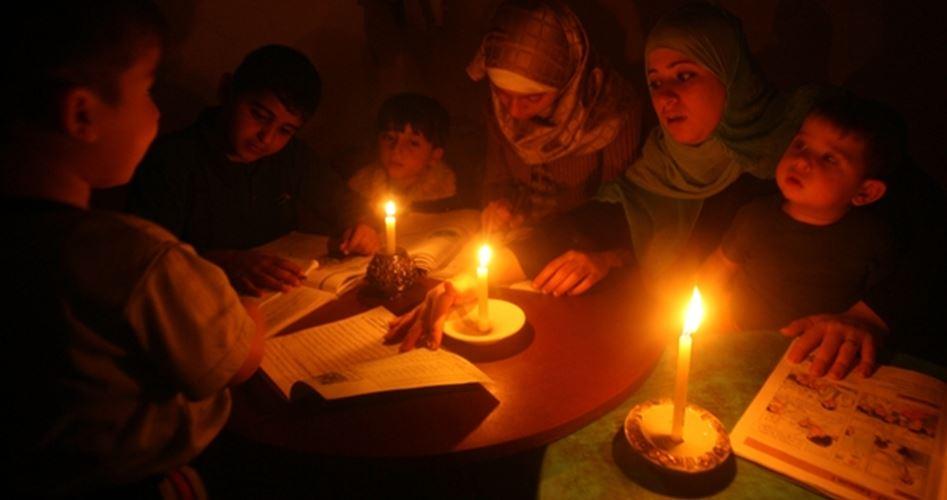 I black-out elettrici e il maltempo amplificano la sofferenza degli abitanti di Gaza