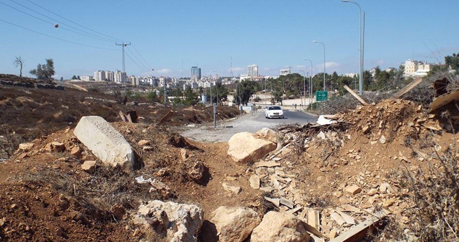 L'esercito israeliano continua a chiudere strade fondamentali ad ovest di Ramallah