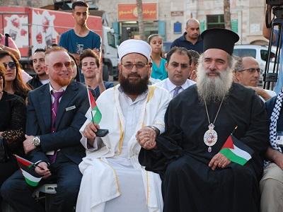 L'Arcivescovo Hanna licenziato per le sue dichiarazioni pro-Palestina
