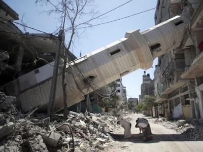 gaza_mosque_praying_war