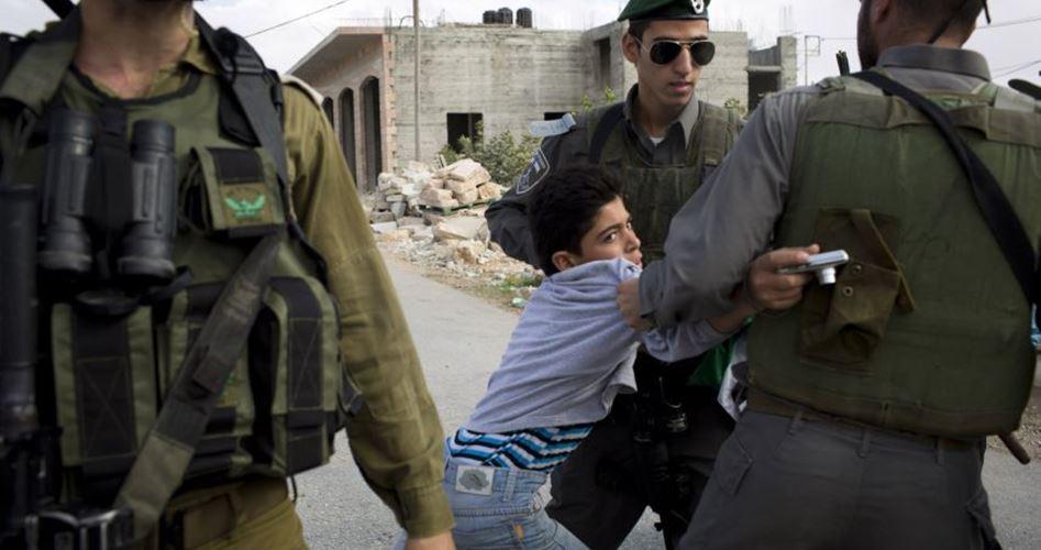 Le autorità israeliane prolungano lo stato di fermo di bambini paralizzati