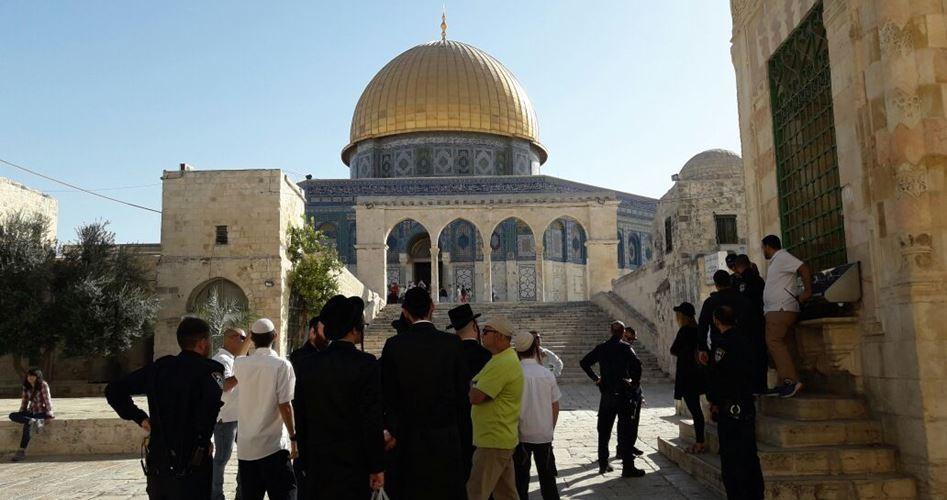 Orde di coloni hanno invaso la Spianata delle Moschee