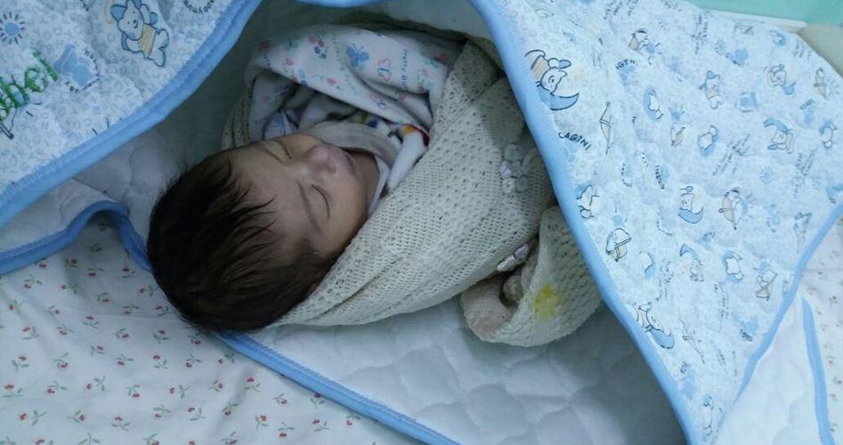 Israele aveva distrutto la casa della sua famiglia: il freddo uccide neonato palestinese