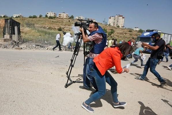 Report: aumento delle violazioni contro la libertà di stampa nei territori occupati