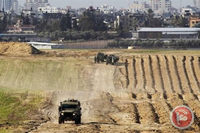 Le forze israeliane aprono il fuoco contro terreni a est di Khan Younes