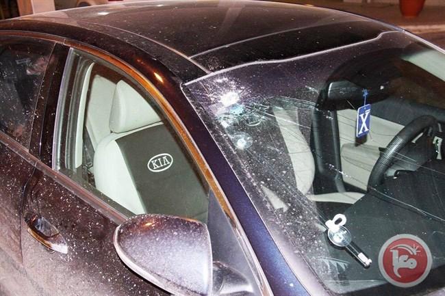 Le forze israeliane sparano contro l'auto del vice-ministro palestinese della Sanità