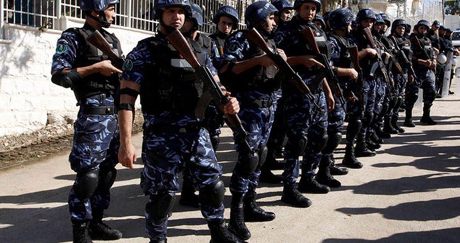 Forze dell'Anp arrestano sette palestinesi per la loro affiliazione politica