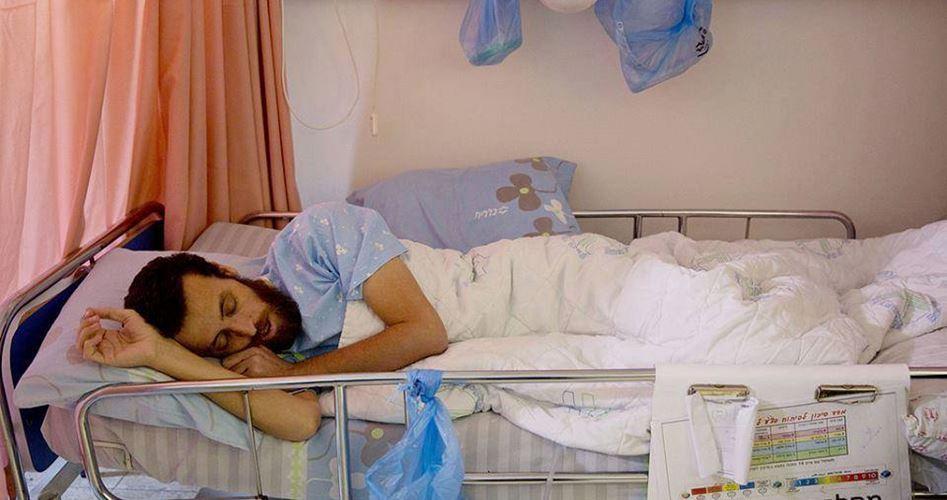 Peggiora la salute del prigioniero al-Qiq in sciopero della fame
