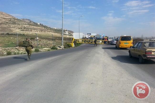 Forze israeliane sparano a un anziano palestinese al checkpoint di Huwwara