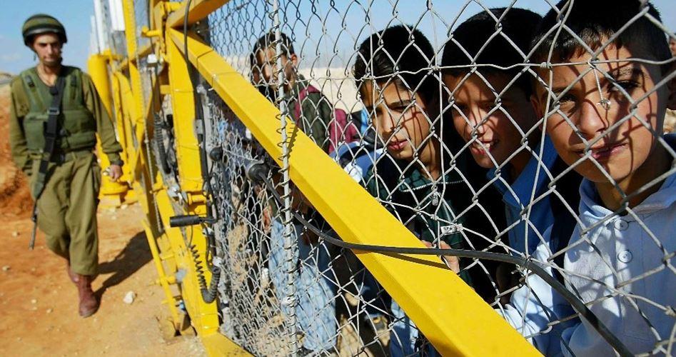 """Tre adolescenti gerosolimitani condannati al carcere per """"lancio di pietre"""""""