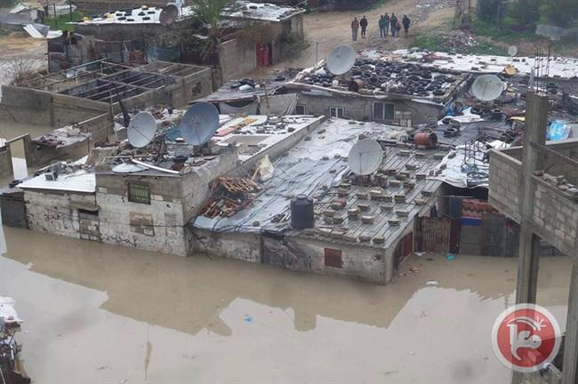 Le forti piogge allagano la Striscia di Gaza assediata