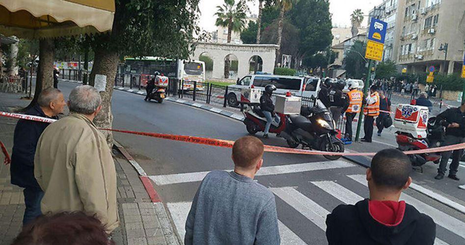 Sei israeliani feriti in un presunto attacco con il coltello a Tel Aviv