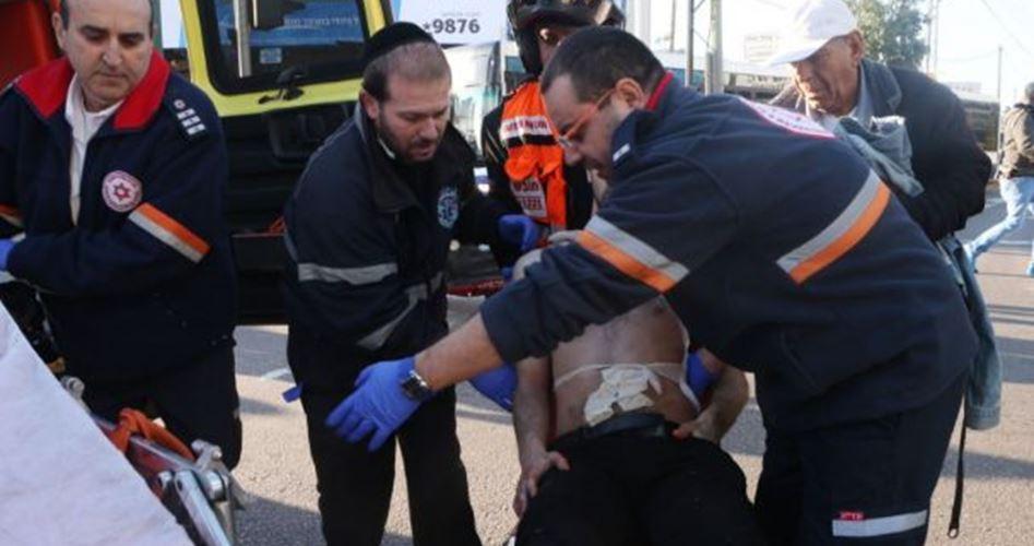 Quattro israeliani feriti in un accoltellamento a Tel Aviv