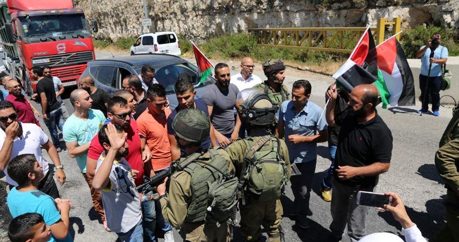 """""""Venerdì della rabbia"""" in tutta la Cisgiordania occupata: decine i feriti e gli asfissiati"""