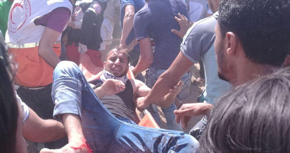 """Il """"Giorno della Rabbia"""" nella Striscia di Gaza, scontri con i soldati israeliani: decine tra feriti e asfissiati"""