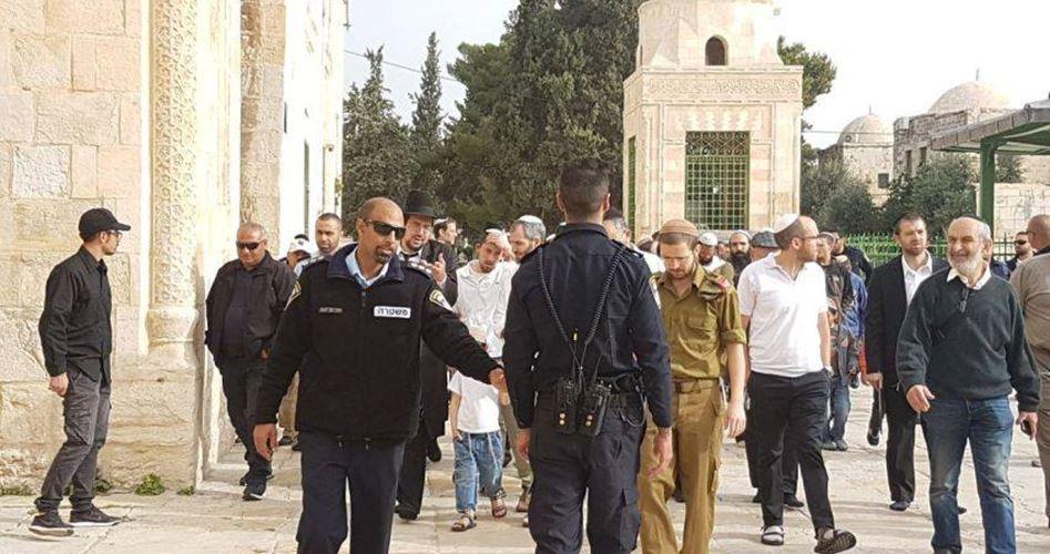 161 israeliani invadono la moschea al-Aqsa durante il 4° giorno di Ramadan
