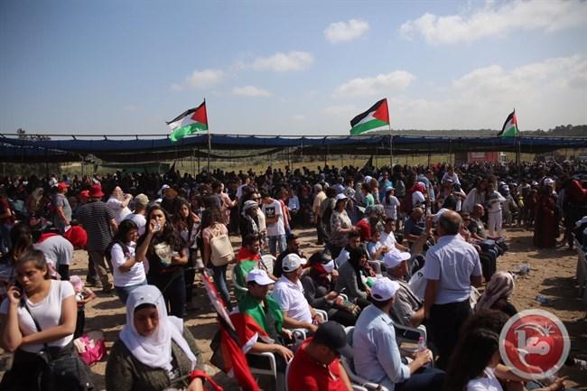 """Migliaia di Palestinesi commemorano la Nakba nella """"Marcia per il Ritorno"""""""