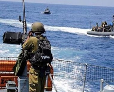 La marina israeliana sequestra sei pescatori palestinesi a Gaza