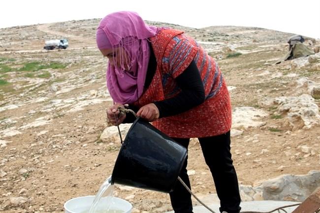 La costruzione del muro di separazione israeliano si ripercuote sugli accessi alle risorse idriche palestinesi
