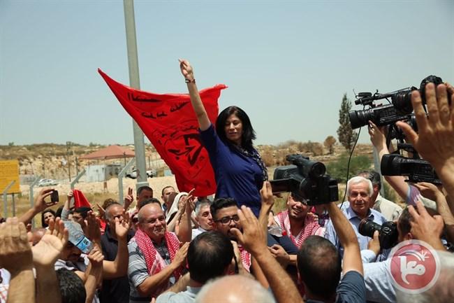 Israele condanna la leader palestinese Khalida Jarrar a 6 mesi di reclusione senza accuse né processo