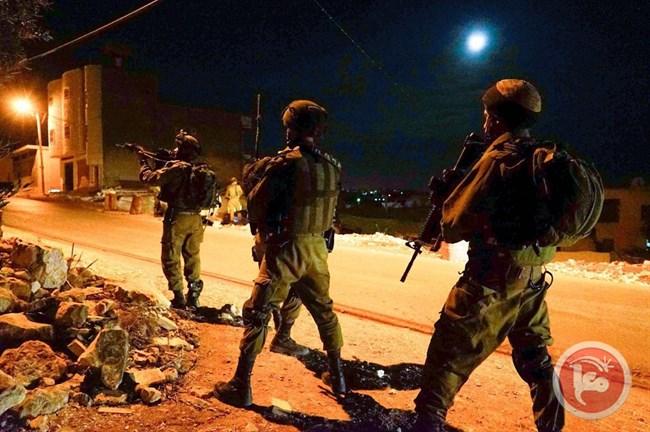 Cisgiordania, 17 Palestinesi arrestati dai soldati israeliani
