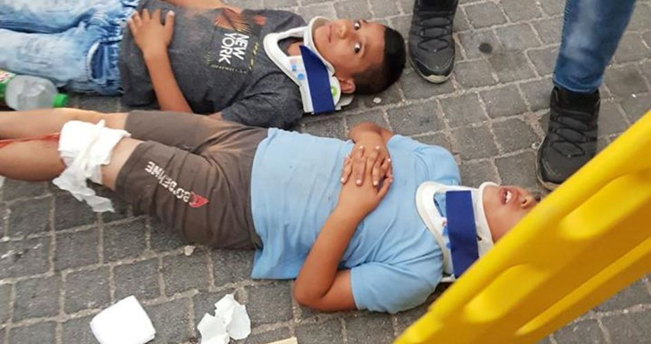 Gerusalemme, colono israeliano investe deliberatamente bimbi palestinesi