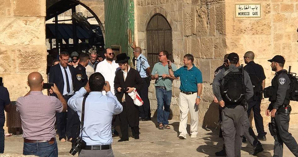 Gerusalemme, 2 parlamentari israeliani e 78 coloni sfilano a al-Aqsa