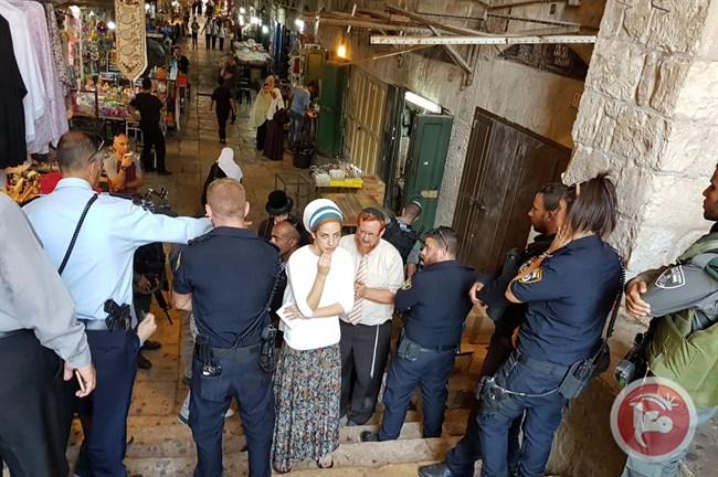 135 coloni entrano nel complesso di Al-Aqsa