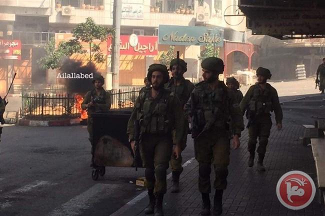 Scontri a Hebron tra forze di occupazione e giovani locali. Giornalisti minacciati