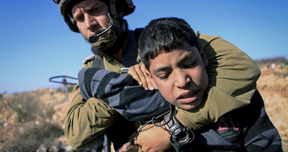 Le forze israeliane hanno arrestato due 14enni a Hebron