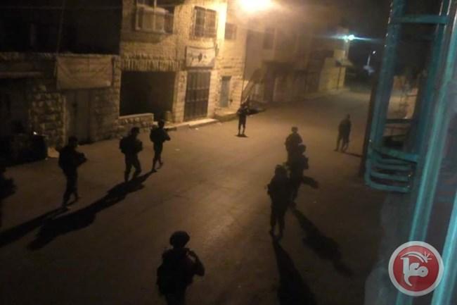 Le forze israeliane arrestano 66 Palestinesi in Cisgiordania e Gerusalemme Est