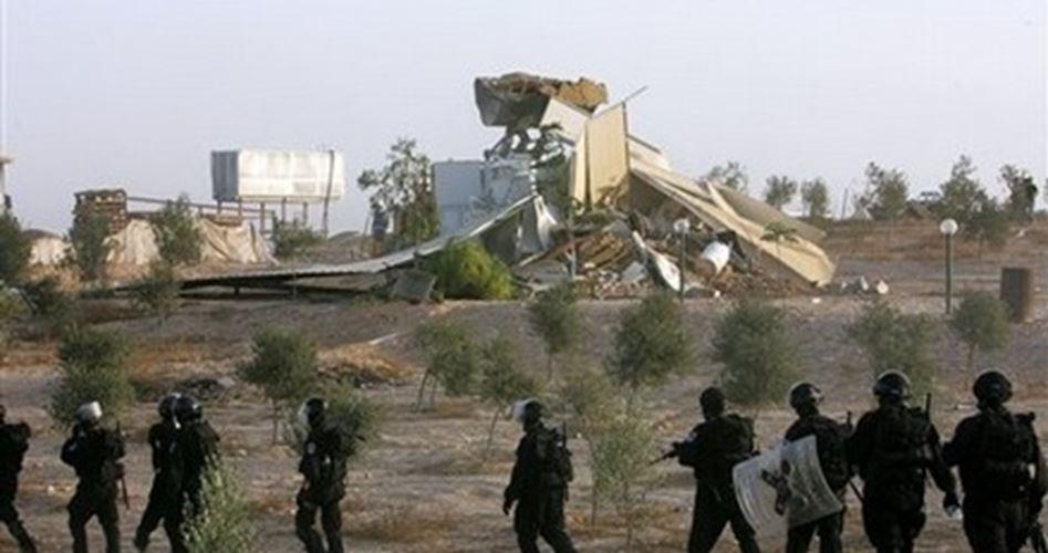 Le forze israeliane distruggono per la 119ª volta il villaggio beduino di al-Aragib