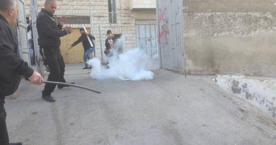 Violenti scontri a Hebron tra soldati israeliani e studenti palestinesi