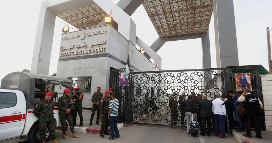 Per il 3° giorno, l'ANP blocca l'ingresso delle merci dal valico di Rafah