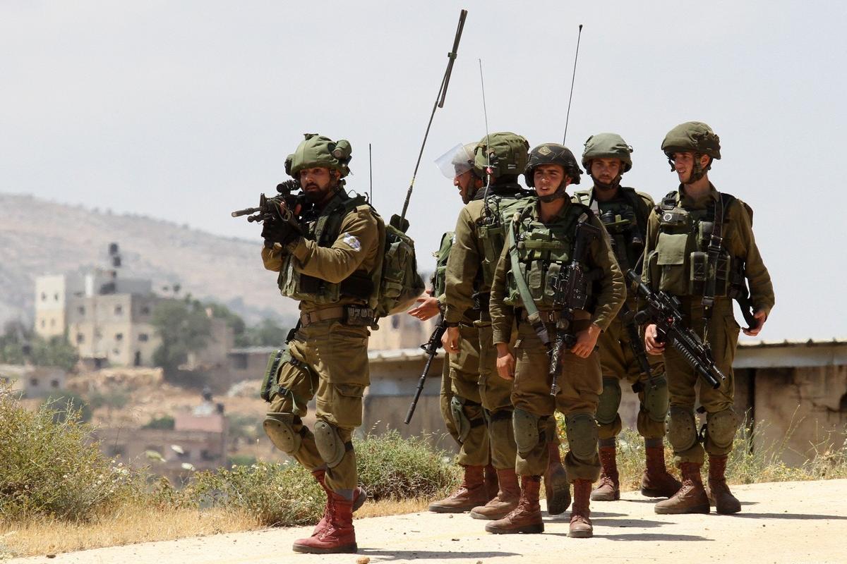 Israele deporta 320 Palestinesi di un villaggio beduino gerosolimitano
