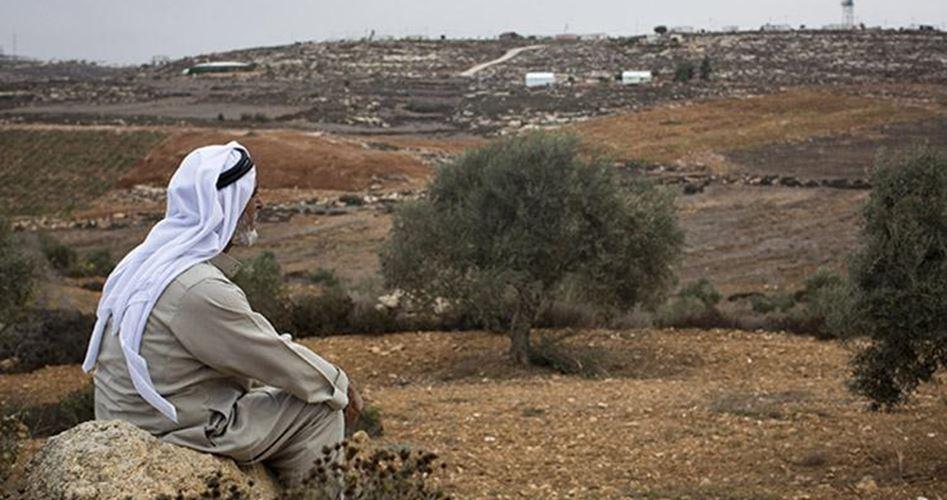 L'esercito israeliano sequestra terra fertile palestinese nella Valle del Giordano
