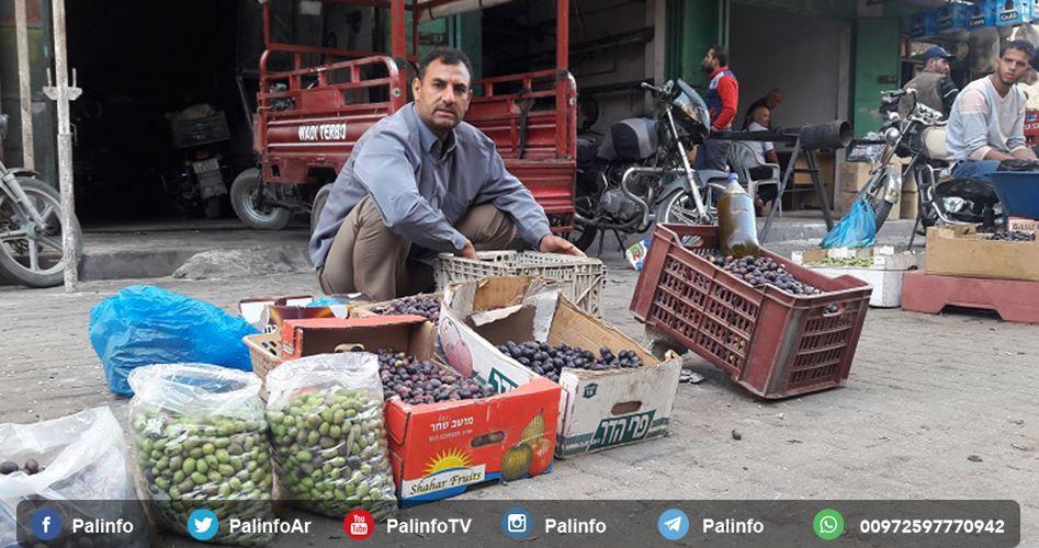 La realtà del mercato delle olive di Khan Younis, tra assedio e povertà