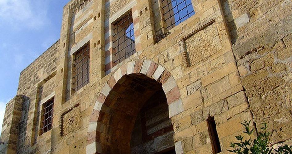 Reperti mamelucchi e ottomani in Palestina: la loro storia falsificata