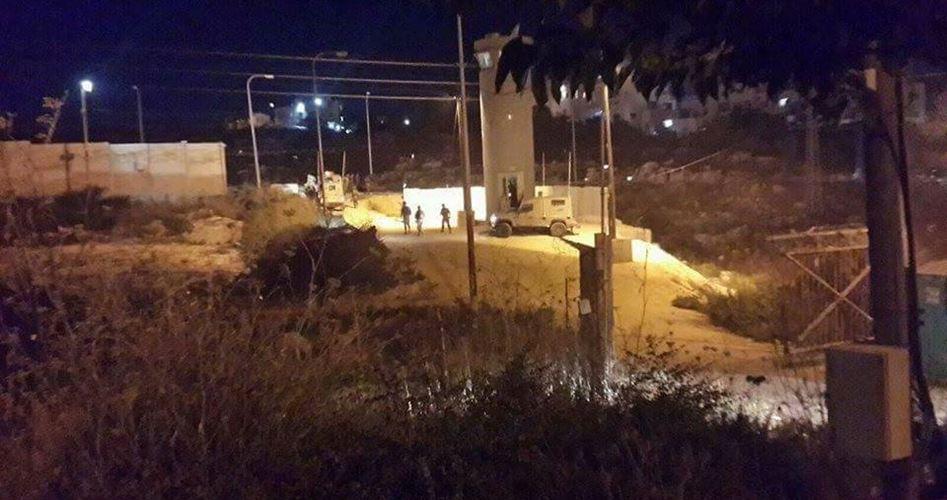 Colpi di arma da fuoco contro autobus di coloni a Ramallah