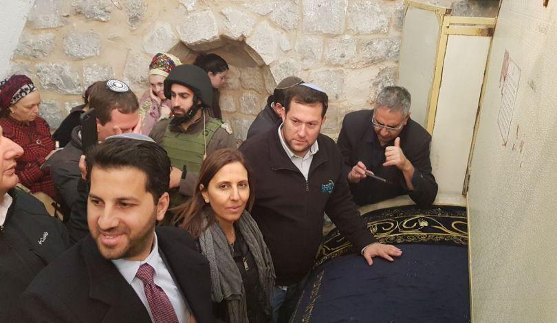 "Nablus, 1500 coloni invadono la ""Tomba di Giuseppe"""