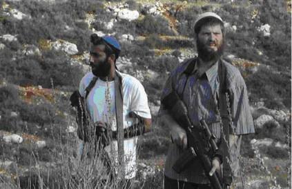 Famiglia palestinese scampa a attacco di orda di coloni