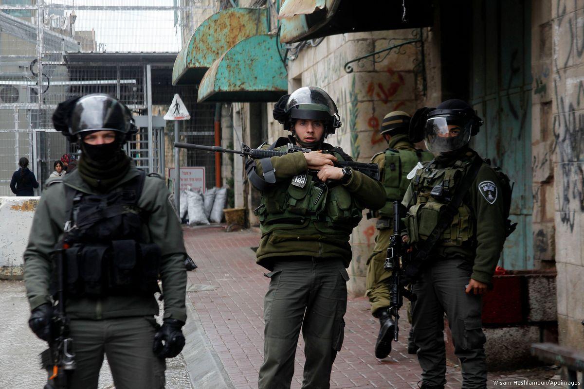 """L'esercito israeliano proibisce a """"Breaking the Silence"""" di entrare nelle colonie di Hebron"""
